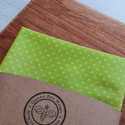 Stirling: Single Large Beeswax Wrap In Lime Polk-Dot