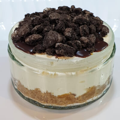 'Oreo' Biscuit Topped Cheesecake