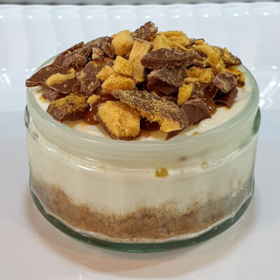 'Crunchie' Topped Cheesecake