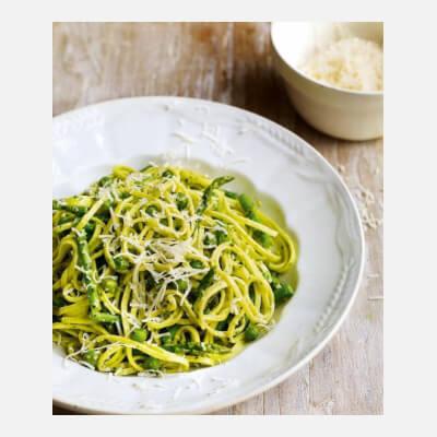 Pasta With Wild Garlic Pesto, Peas & Asparagus