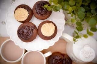 Box Of Assorted Cupcakes (Salted Caramel/Chocolate Fudge)