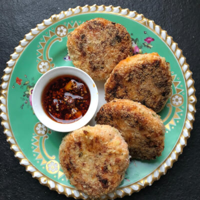 Salmon Patties With Bacon & Caramelized Onions