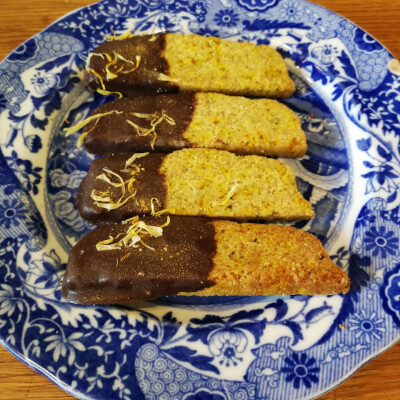 Khorasan Chai Shorties With Dark Chocolate