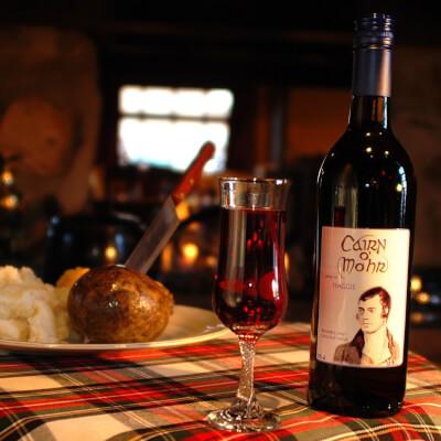 Cairn O Mohr Gangs Wi Haggis Wine 75Cl