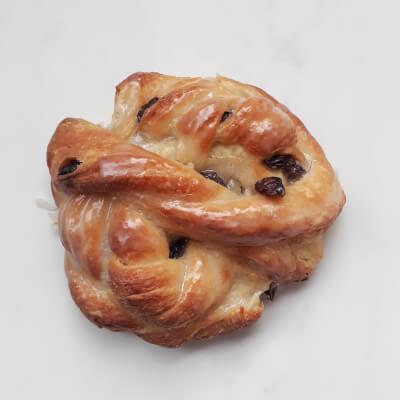 Glazed Raisin Knot