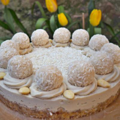 'Rawffaello' Coconut & Vanilla Raw Cake