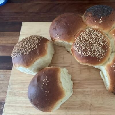 Tear And Share Brioche Rolls