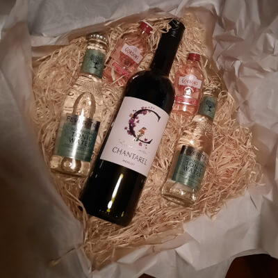 Mchugh's Wine And Gin Gift Box - Red