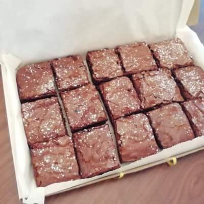 15 Delicious Homemade Brownies In A Presentation Box