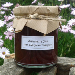 Strawberry Jam With Elderflower Champagne
