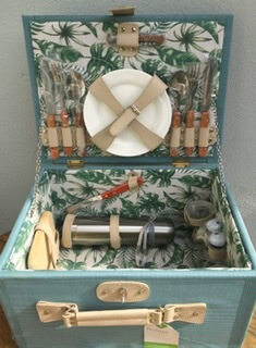 Beautiful Picnic Hamper .