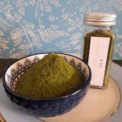 Microgreens - Garlic Chive Powder With Glass Spice Jar