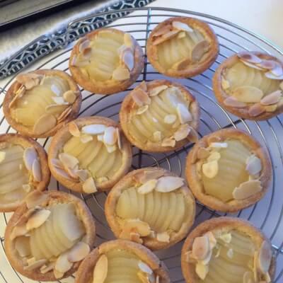 Small Bourdaloue Pies , Box Of 6