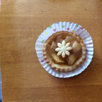 Box Of 3 Small French Apple Pies