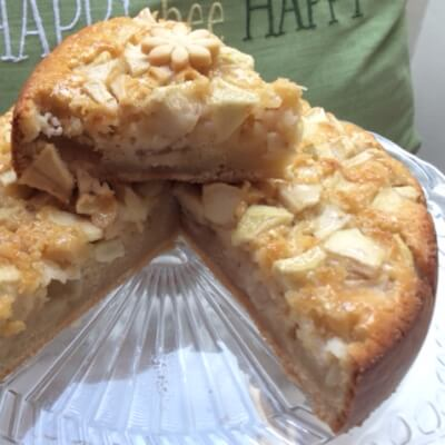 """French Rum And Apples Cake (""""Dédée  Cake"""")  6 People"""