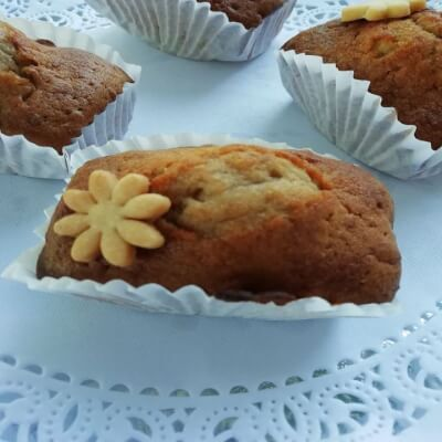 French Honey And Nuts Cake  6/8 People