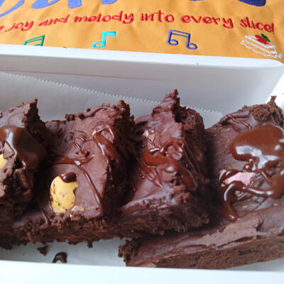 4 Chunky Brownie Squares With Yummy Treats