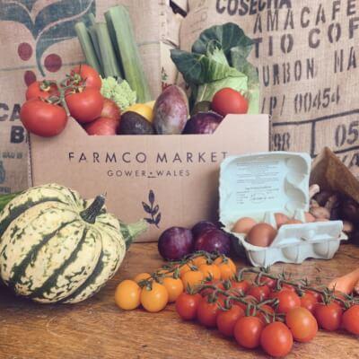 Family Organic Fruit & Veg Box