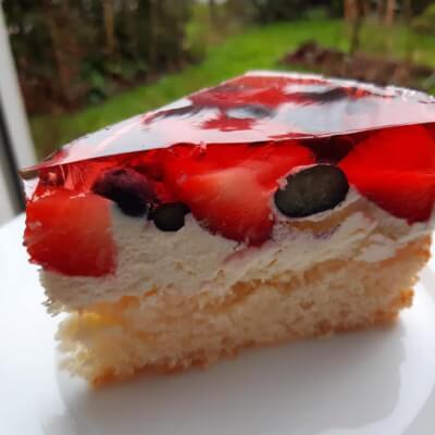 Summer Berry Heaven Cake Slice