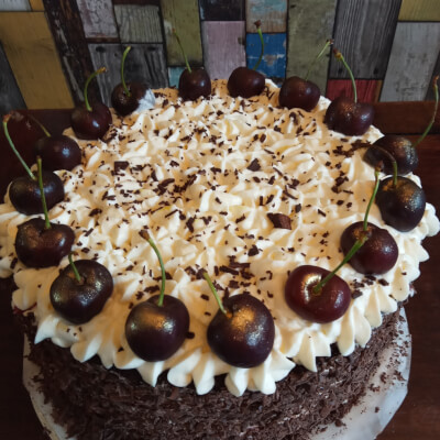 7 Inches Black Forest Cake