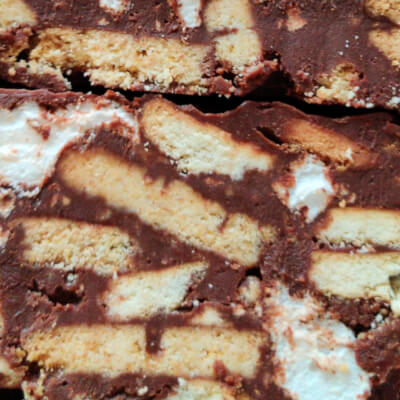Chocolate Biscuit Cake With Homemade Vanilla Marshmallow (Box Of 9)