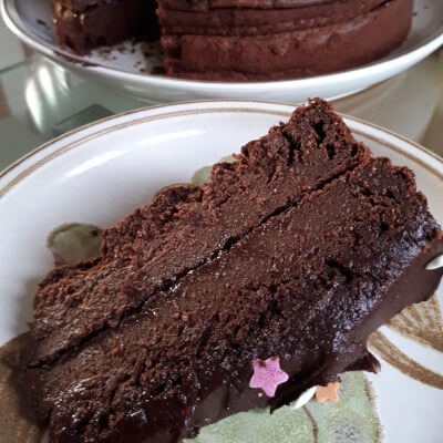 Small Gluten Free Vegan Chocolate Cake (6 Slices)
