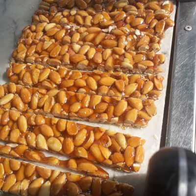 Small Blanched Almond Brittle