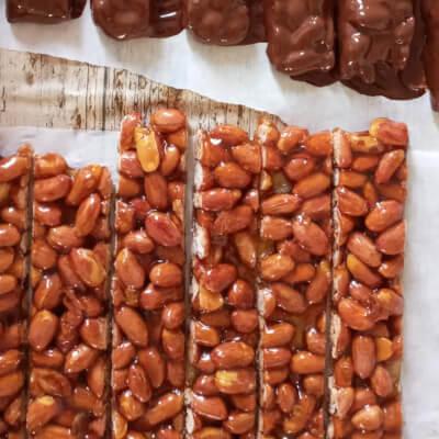 Coated Peanut Brittle
