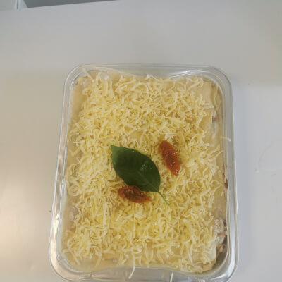 Vegetarian Lasagne  Family Size  ( Frozen }
