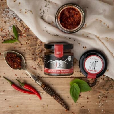 Red Chilli And Herb Paste Hot