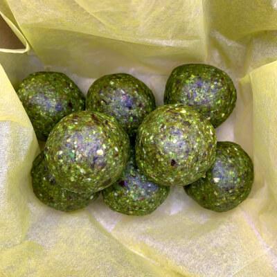 Energy Ball - Matcha, Pistachio & Pumpkin Seeds